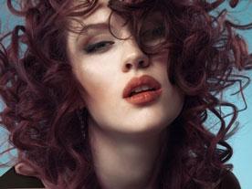 9 علامت که نشان می دهد باید رنگ مو هایتان را عوض کنید