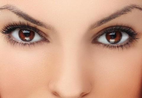 11 ترفند آرایشی برای چشم قهوه ای ها