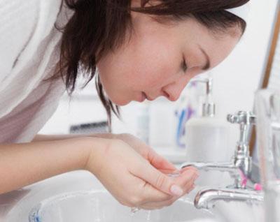 مراقبت از پوست با پاک کردن آرایش , چگونه از پوستمان مراقبت کینم , تمیز کردن آرایش , پاک کردن آرایش , چگونه مراقب پوستمان باشیم