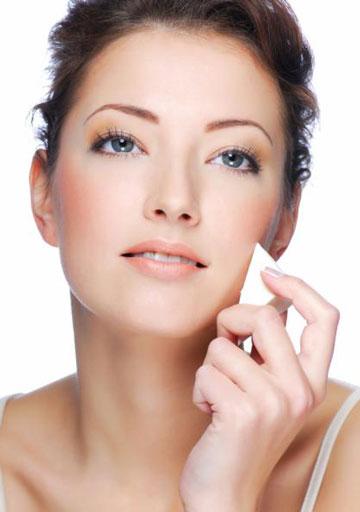 لوازم آرایشی مناسب پوست حساس ,  آرایش پوست حساس , آرایش صورت با پوست حساس , خرید لوازم آرایشی مناسب آرایش پوست حساس , راهنمای خرید لوازم آرایشی مناسب پوست حساس , نحوه آرایش پوست حساس